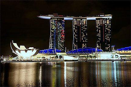 Singapour : les casinos continuent leur essor malgré la révision des taxes