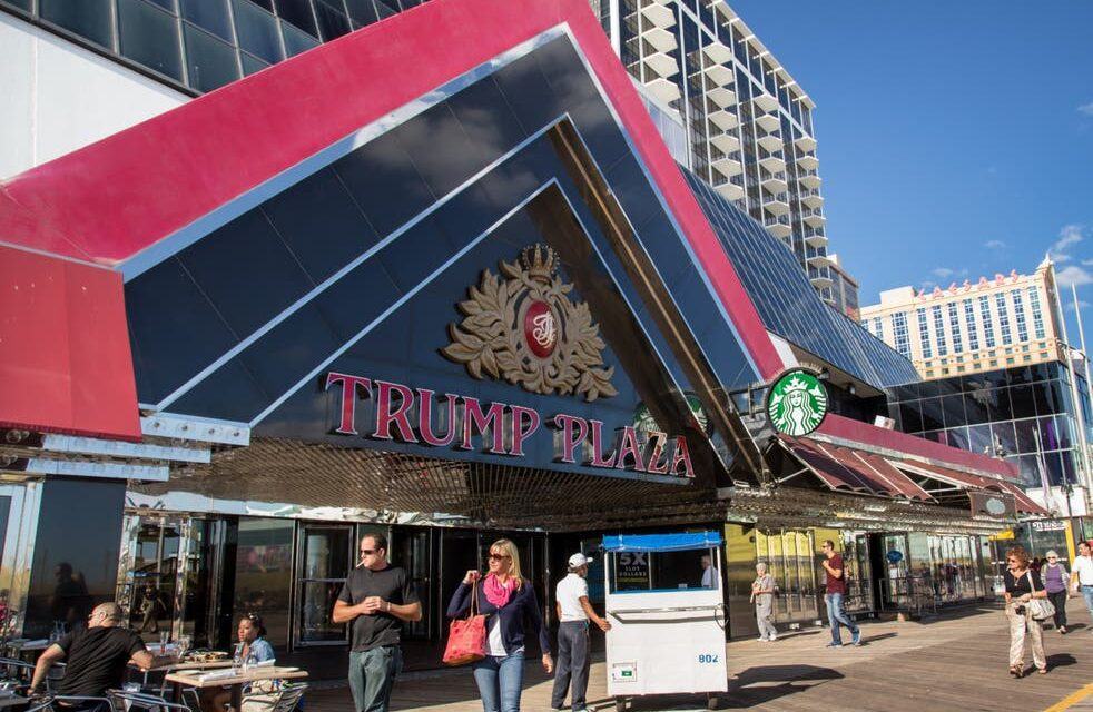 Démolition du Trump Plaza: fin d'une carrière dans le monde du casino